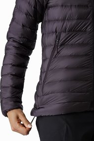cerium-lt-jacket-women-s-whiskey-jack-hem-adjuster.jpg